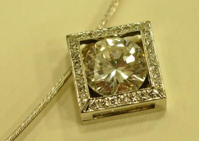Pendentif diamant or blanc