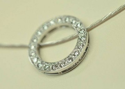 Pendentif infinity diamants or blanc