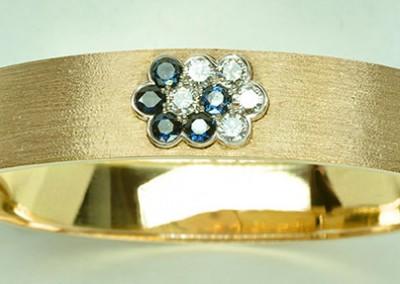Bracelet fleurs saphirs diamants, or blanc & or jaune