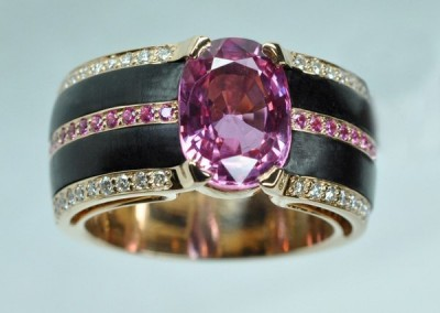 Bague saphirs roses, diamants, or rose