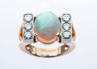 bague opale diamants montée sur platine et or rose