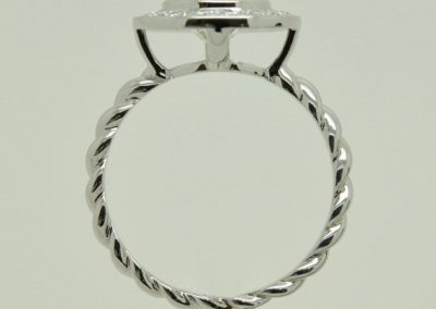 Bague or blanc diamants, anneau torsadé 1/2