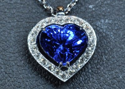 Pendentif tanzanite coeur