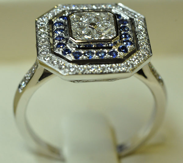 White gold sapphires princess ring