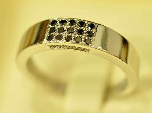 Black and white diamonds ring
