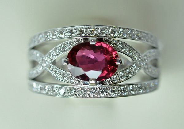 Ruby white gold diamond ring