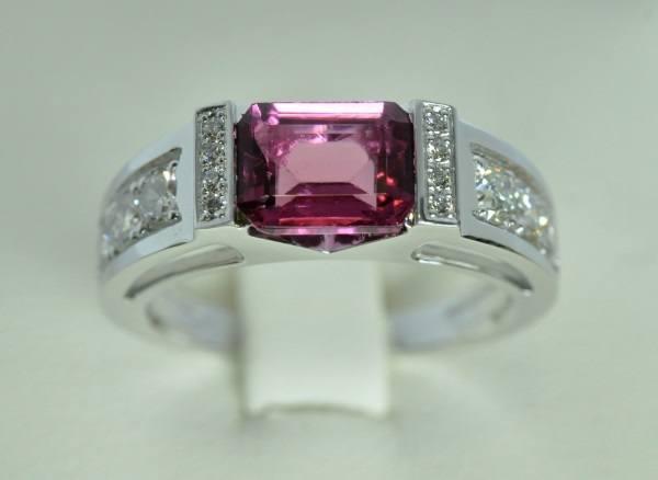 Tourmaline ring rubellite diamonds white gold