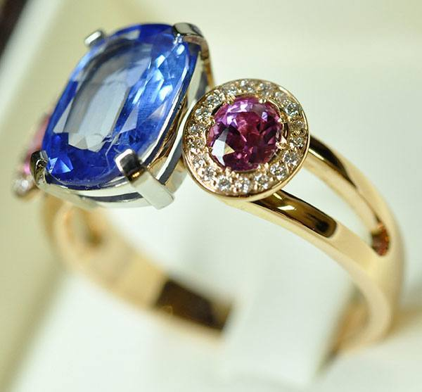 Blue sapphires and pink sapphires ring with white and pink gold setting