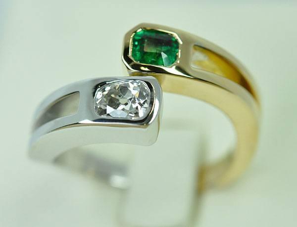 Ring Toi & Me Emerald Diamond White Gold Yellow Gold