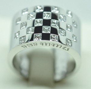 Bague damier or blanc diamants princesses