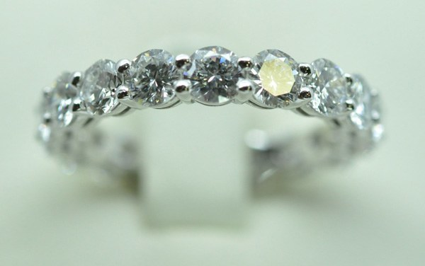 Diamonds full round white gold wedding ring