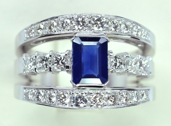 Sapphire ring, princess and round diamonds set in white gold