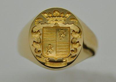 Chevalière armoriée homme or jaune
