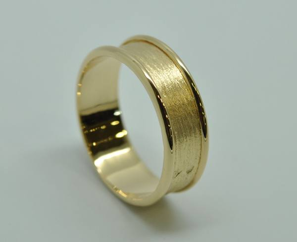 "Yellow gold ""wire coil"" wedding ring"