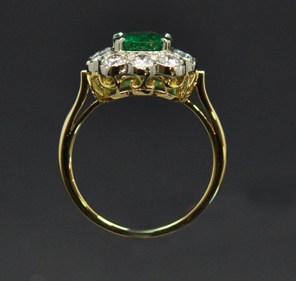 Bague émeraude diamants or blanc et or jaune