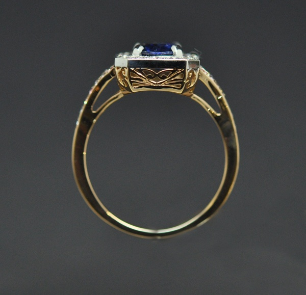 Rose gold & white gold sapphire diamond ring with carved Maori pattern basket