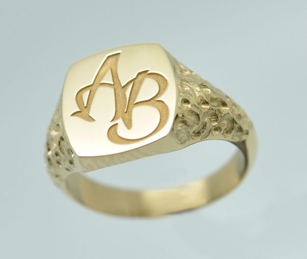 "Signet ring ""woman initials"""