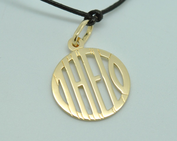 THEO yellow gold pendant