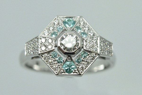 "Diamond ring ""facets"", White gold frame with tourmalines Paraïba (Brazil)"