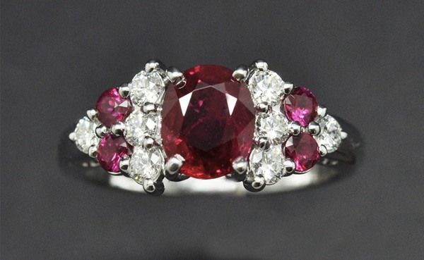 Ruby diamond ring with white gold frame