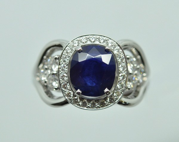 Sapphire diamond ring gone up on white gold