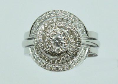 Alliance diamants selon une bague fournie par le client.