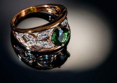 Bague « papillons » Monture or rose, grenat tsavorite diamants