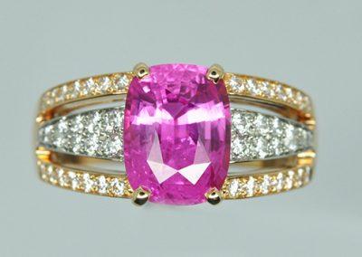Bague saphir rose diamants. Monture or rose et platine. (2/2)
