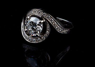 Bague Tourbillon En Diamant Monture Platine